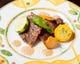 脂が美味いイベリコ豚肩ロース肉のソテー