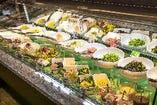 20種類以上のサラダバーが楽しめるNEWスタイルの焼肉店