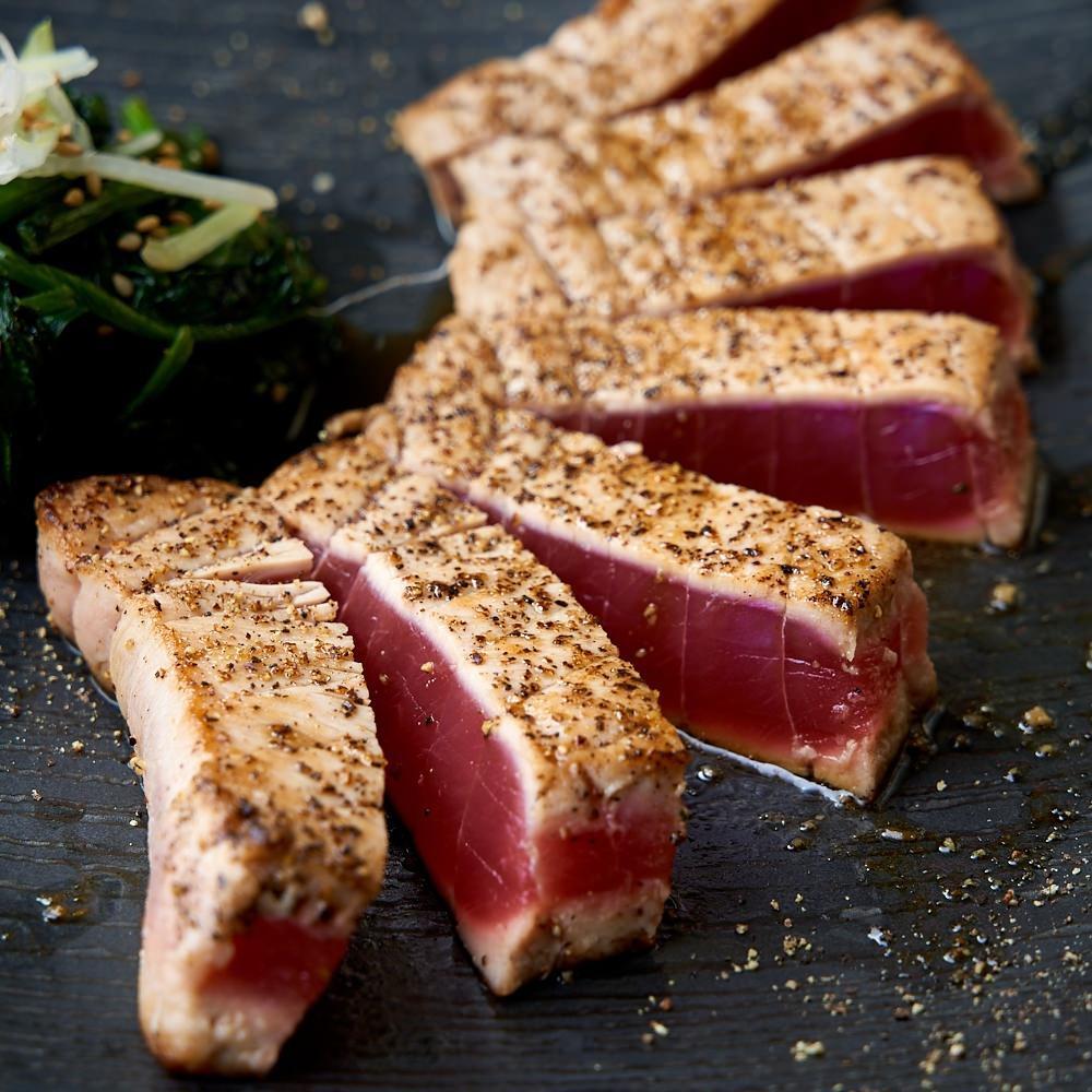 特選和牛ステーキ×肉寿司をご堪能