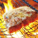 炭火でのグリルだと炭独特香りと遠赤外線効果で旨味倍増!