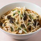 野菜がたっぷりとれると人気です『野菜味噌ラーメン』