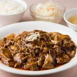 焼きそばと麻婆豆腐が意外にもベストマッチ『麻婆豆腐焼きそば』