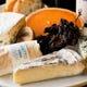チーズ専門店から仕入れる様々な味わいのチーズはワインのお供に