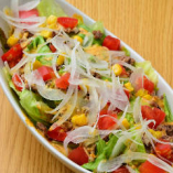 国産野菜のみを使ったサラダ