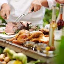 パーティーを彩る華やかな料理の数々
