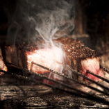 炉窯だからできるこの香り、この旨さ、この食感を是非どうぞ。