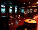 広々スペースにモニター&ダーツ&雰囲気抜群のVIP個室も完備