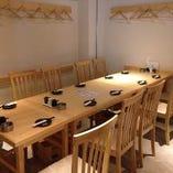 4名様~10名様などご宴会や普段使いにも使いやすいテーブル席