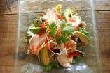 鶏のグリーンサラダ salad ayam