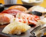 かまどで炊き、赤酢を調合したシャリとネタは抜群の相性です