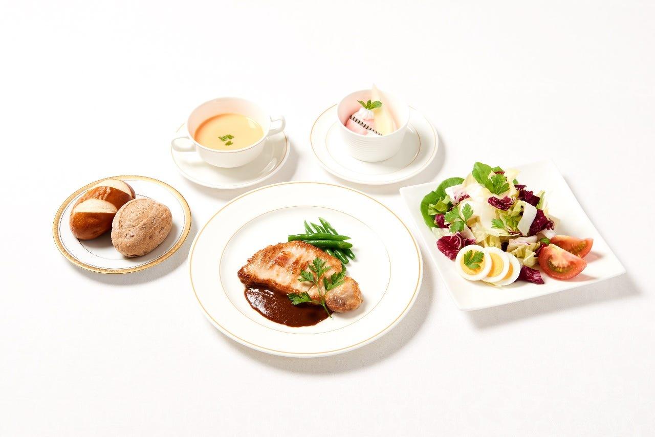 メインのお料理はお肉料理 お魚料理、パスタ料理をご用意