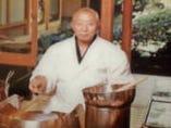 初代の神田猿楽町から丸ビルへ移転しました。