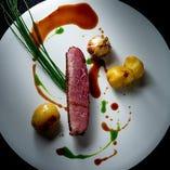 アートの様な繊細で色鮮やかなお料理をコースで