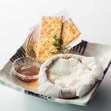 【北海道 スイーツ】自家製籠盛りチーズケーキ…590円(税抜)
