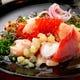 新鮮な魚介を贅沢に使用した魚介のカルパッチョ
