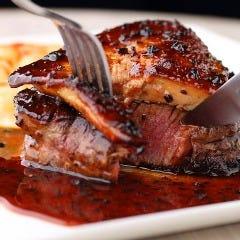 牛フィレ肉のロッシーニ トリュフソース
