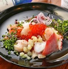 生醤油とゴマ油の鮮魚和風男前カルパッチョ