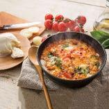 マルゲリータ風フレッシュトマトと3種チーズのドリア
