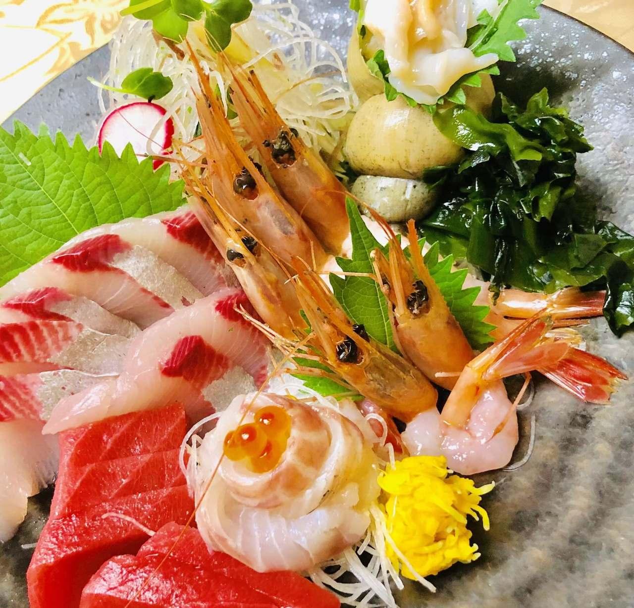 福井の旬の素材にこだわった斬新和食を御提供しております