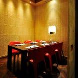 ご商談やご接待、少人数での会合、お顔合わせに最適な特別空間。
