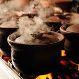 【釜飯】 新潟県産のコシヒカリを約40分かけて炊き上げる