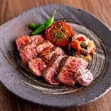 ステーキ等のがっつり肉料理も自信あり!