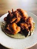 スパイスでマリネした鶏の唐揚げ