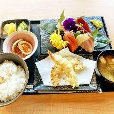 新鮮食材を使用した海鮮定食★