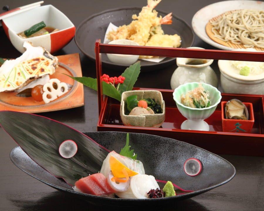 四季折々の食材が彩る会席料理は昼の接待・夜のご宴会にも最適
