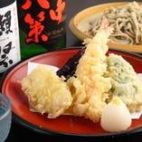 そばに天ぷら、様々な酒肴で粋なひとときを