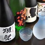 こだわりの米・水仕込み。各地の日本酒が揃う