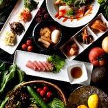 色とりどり、新鮮食材にこだわる韓国料理をぜひご堪能ください。