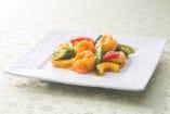 天然海老と初夏野菜の蝦黄醤(しゃーふぁーじゃん)炒め