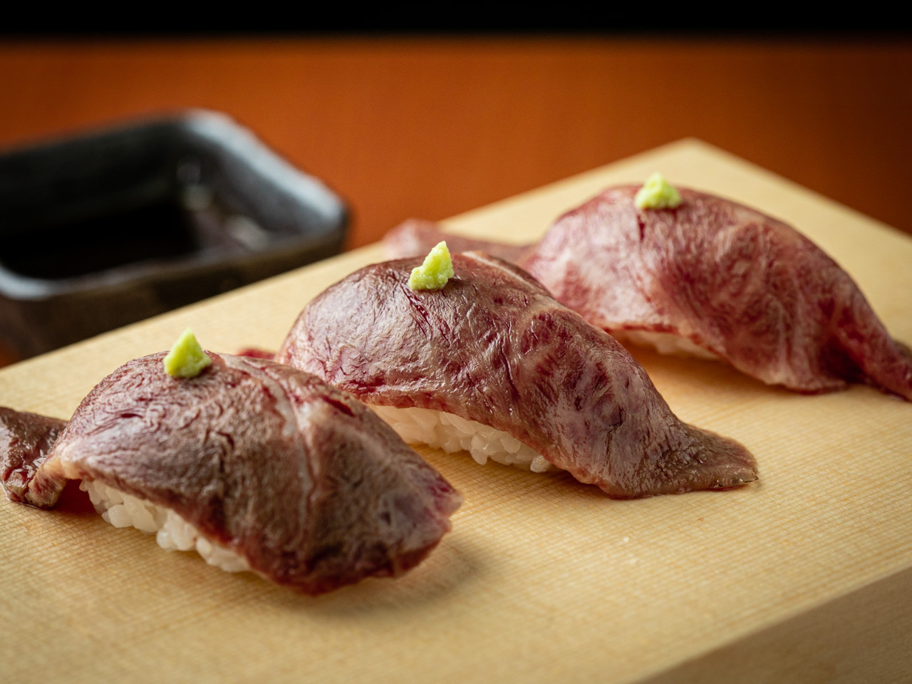 鮮度抜群の肉寿司
