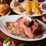 メインは牛肉の美味しさを堪能できる逸品『短角牛のローストビーフ』!