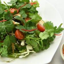 パクサラ(パクチーサラダ)