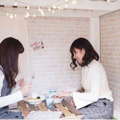 隠れ家 個室 DIYカフェ 梅田中崎町店 こだわりの画像