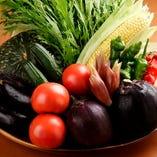 陶板焼やお鍋で味わう、新鮮な京野菜は甘みたっぷり。