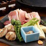 京都産もち豚三種盛り合せ もち豚ロース、バラ、ロース