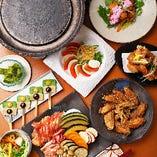 肉が持つ旨味を凝縮し、極上の食感を残しながらじっくりと焼き上げる陶板焼!一緒に焼く京野菜も絶品です♪是非コースで味わってみてください。