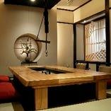 【特別室】専用の入口、少人数の個室となっております。最大6名様
