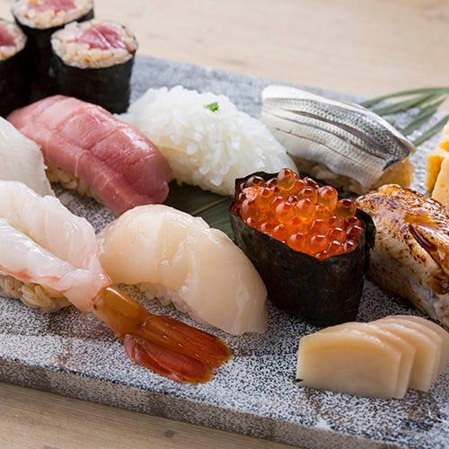 寿司カウンターで楽しむ江戸前寿司
