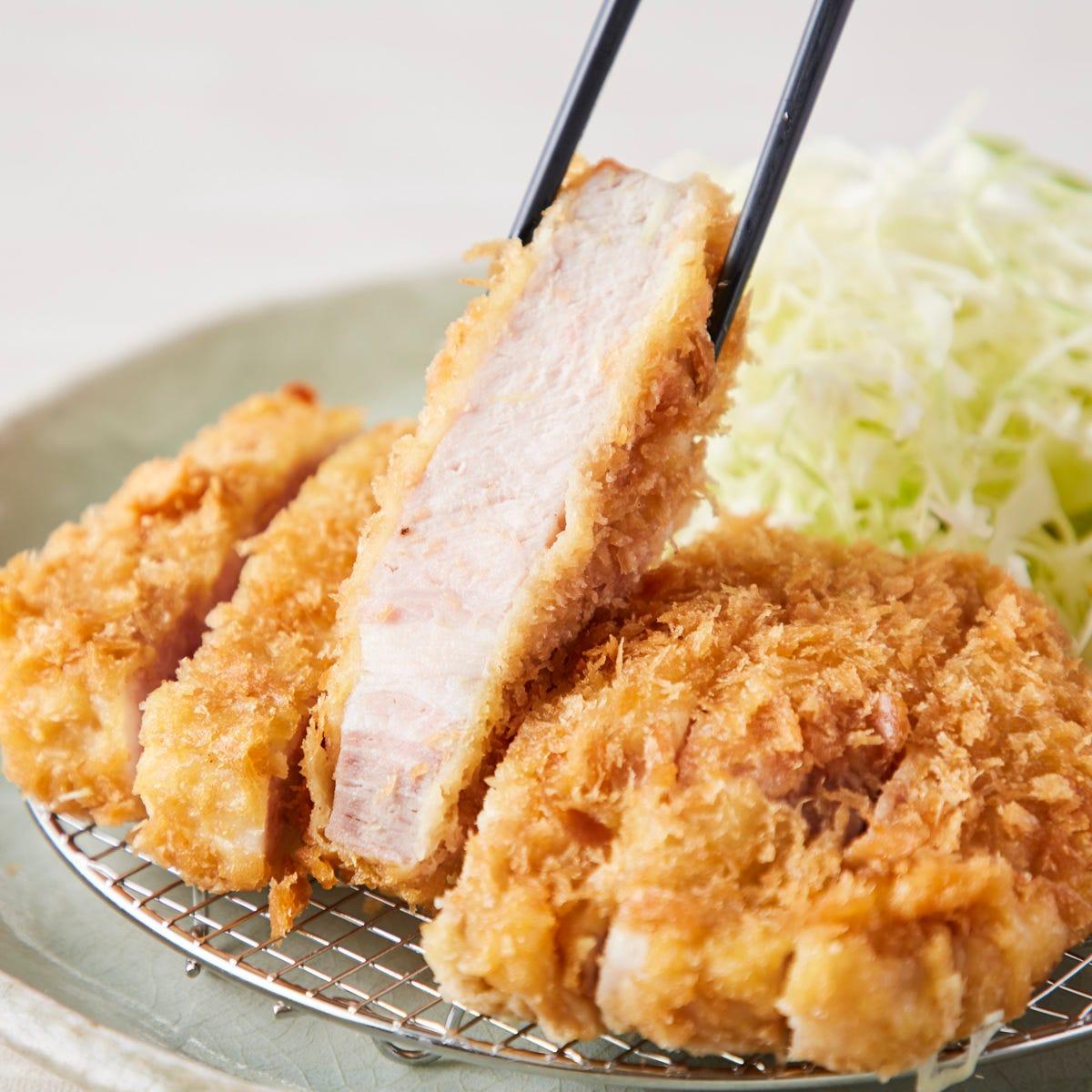 看板【熟成とんかつ】熟成肉を使用!