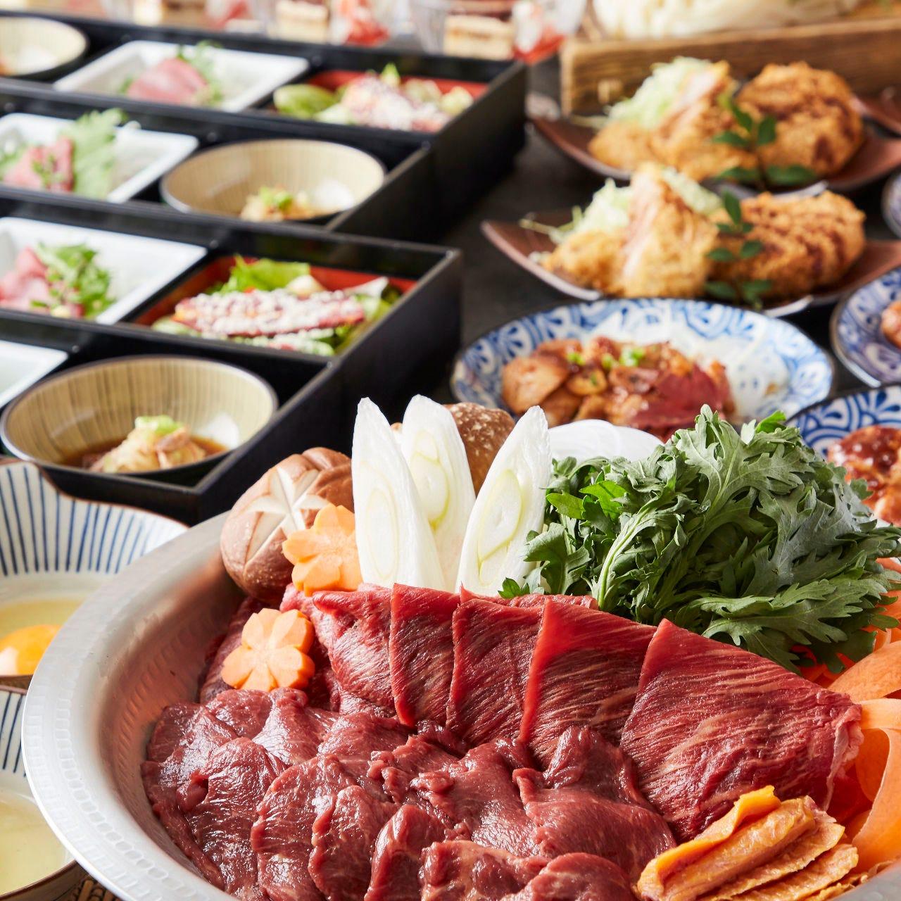 [馬すき焼き]馬肉料理と牛タン料理を存分に味わう豪華8品【2H飲み放題付】5000円