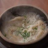 鶏白湯炊き餃子