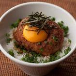 TKT丼(卵かけ鶏つくね丼)