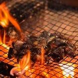 炭火焼きしたもも肉は絶品です!
