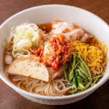 〆のメニューで一番人気の「牛繁風・盛岡冷麺」