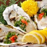新鮮な真牡蠣を生・焼き・蒸し、佐渡ポン酢で。