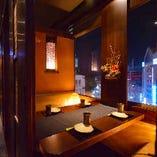 夜景が見える扉付き完全個室~感染症対策万全でお過ごしいただく空間で御座います。~